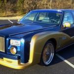 Replika Rolls-Royce Phantom postavená na Lincolnu Town Car