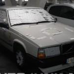 Volvo 740 pokryté poznámkami
