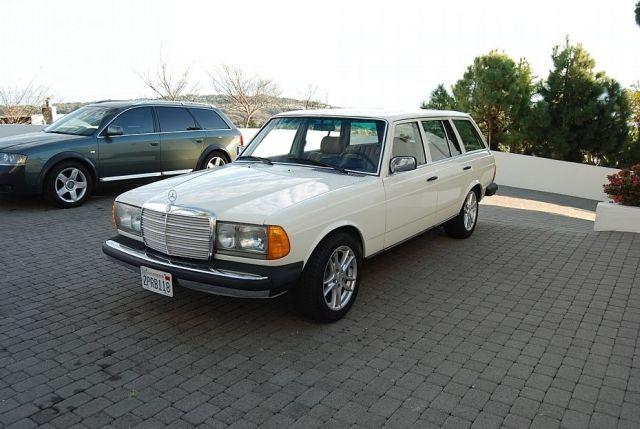 Mercedes-300TD-Wagon-V8-1[2]