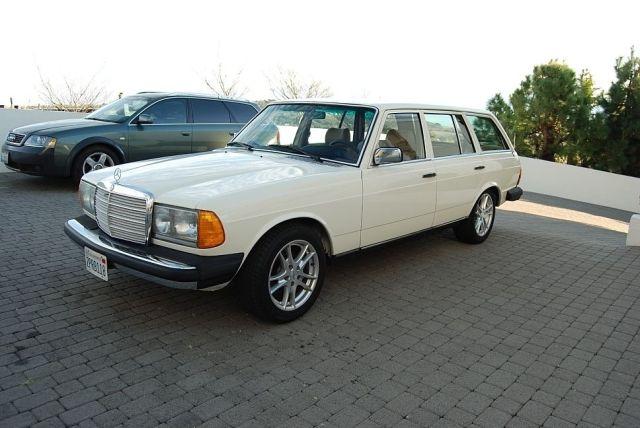 Mercedes-300TD-Wagon-V8-13[2]