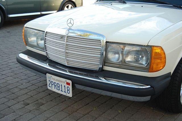 Mercedes-300TD-Wagon-V8-14[2]