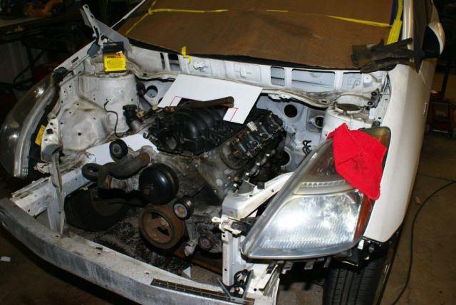 Toyota-Prius-LS1-V8-10