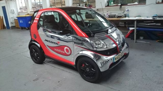 smart-fortwo-thinks-its-a-formula-one-car-lol-77409-7