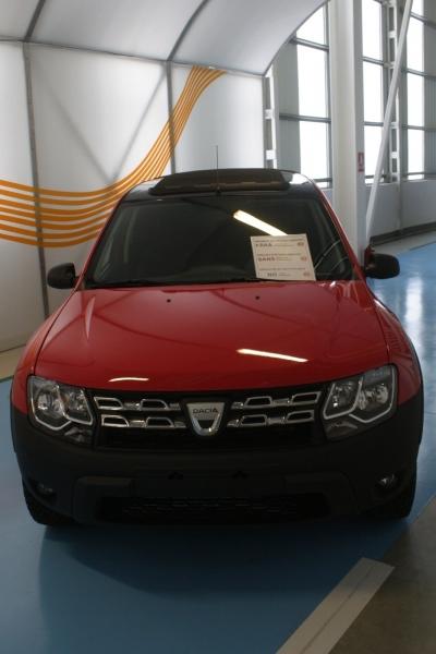 Dacia_Duster_Dustruck_6x6_01_800_600