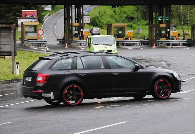 hardcore-skoda-octavia-vrs-with-280-hp-spied-for-the-first-time-photo-gallery-medium_5
