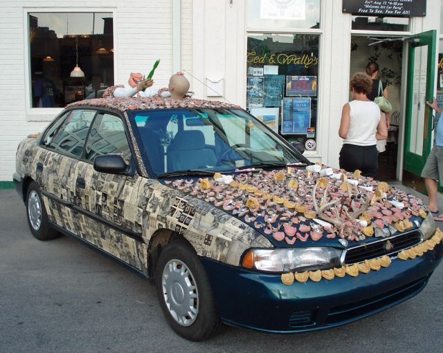 meet-chewbaru-a-subaru-covered-in-70-pounds-of-dentures-that-will-creep-you-out_1
