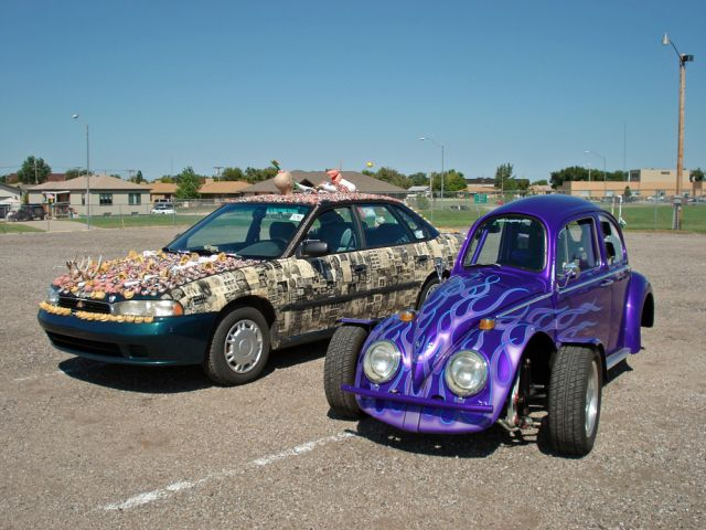 meet-chewbaru-a-subaru-covered-in-70-pounds-of-dentures-that-will-creep-you-out_5