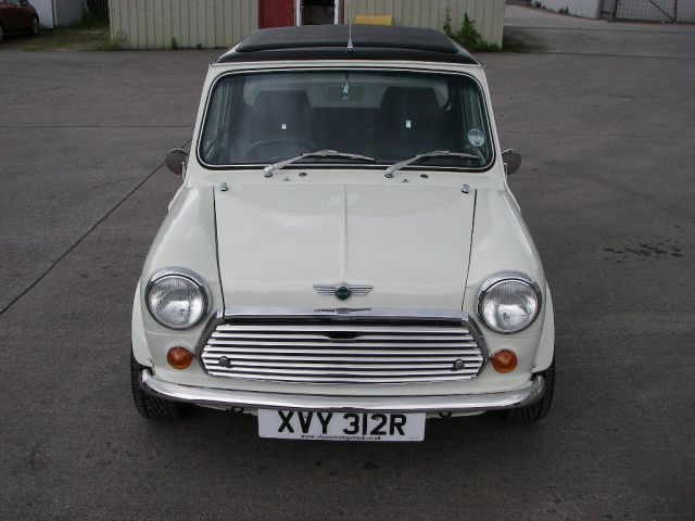 1977-mini-pickup-up-for-sale-costs-18936-photo-gallery_5