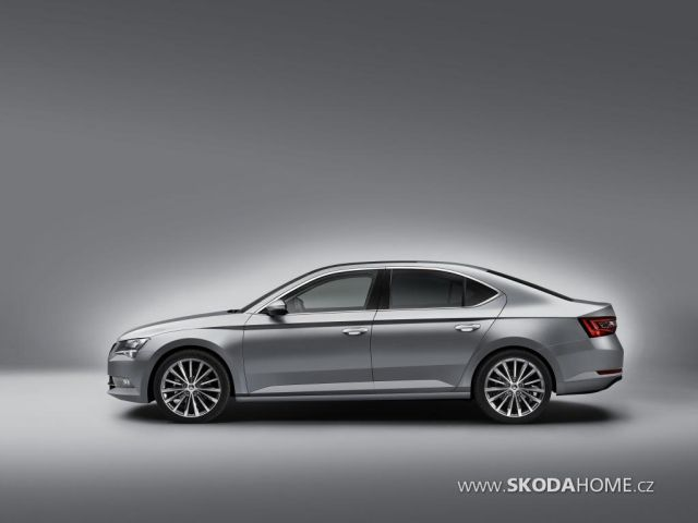 first-official-photo-of-2015-skoda-superb-leaked_4