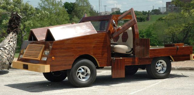 carpenter-builds-stunning-futuristic-cars-out-of-wood-video_1