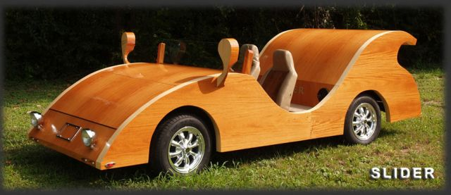 carpenter-builds-stunning-futuristic-cars-out-of-wood-video_4